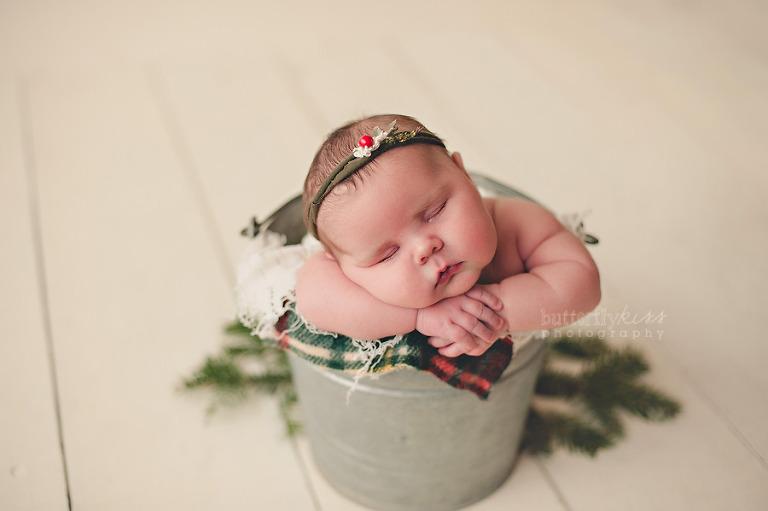 christmas winter rustic newborn baby pacific northwest tacoma