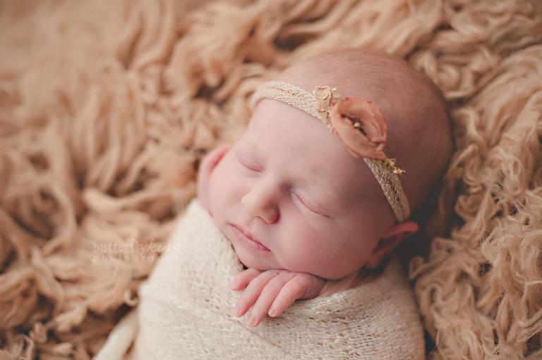 Tacoma earthy newborn girl 3