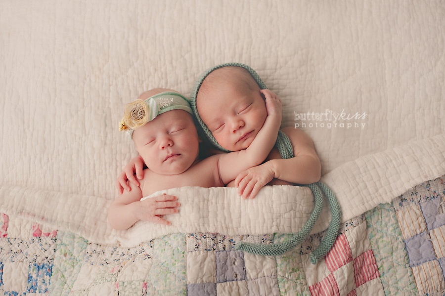 twins seattle newborn photographer vintage pastel quilt sweet brother and sister