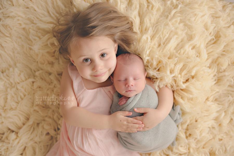 puyallup tacoma organic newborn siblings bodhi and big sister