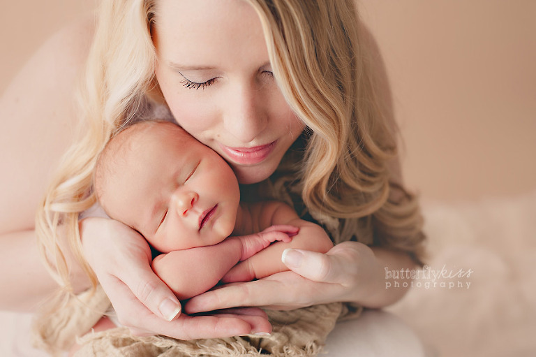 Best Tacoma Puyallup Mom Baby Newborn Pictures