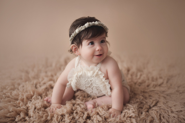 tacoma baby girl photographer baby's first year milestone photo session inspiration