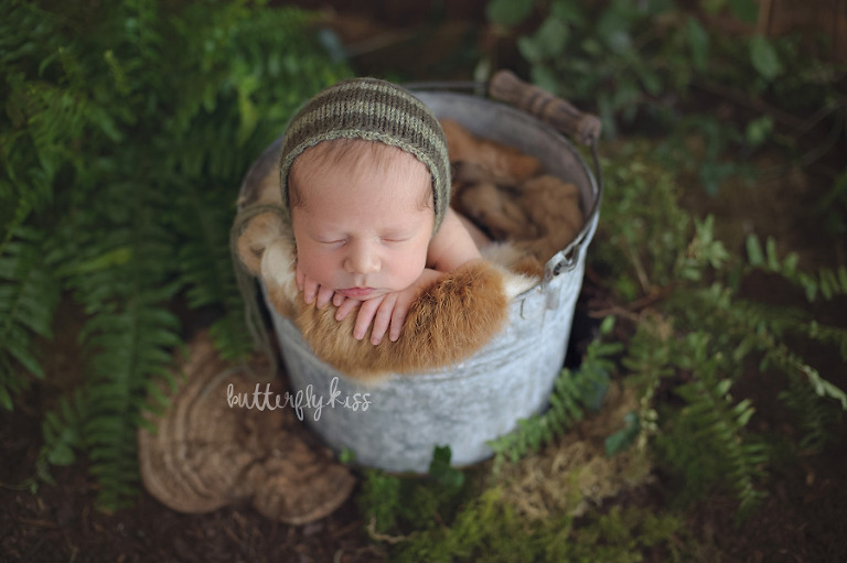 Seattle Newborn Photographer Baby Huck