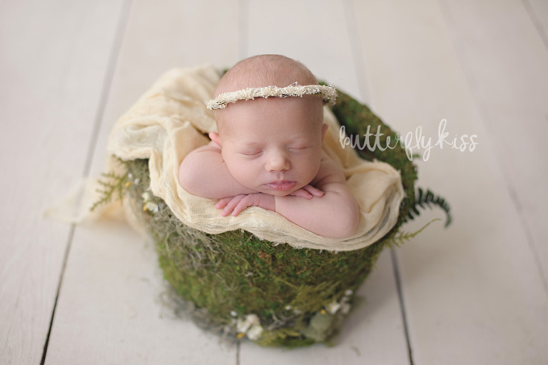 Bonney Lake Newborn Photographer Baby Elliot green moss