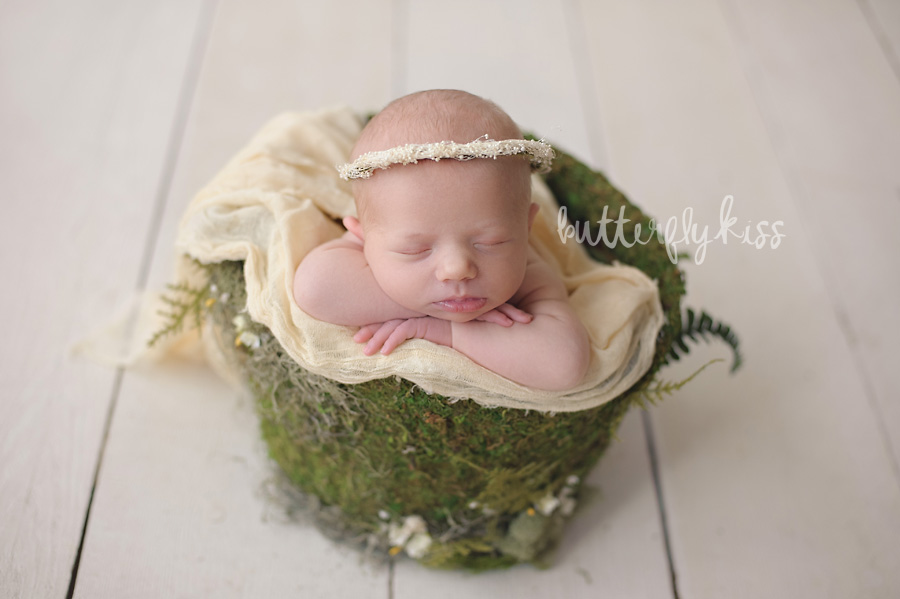 Bonney Lake Newborn Photographer Baby Elliot green moss