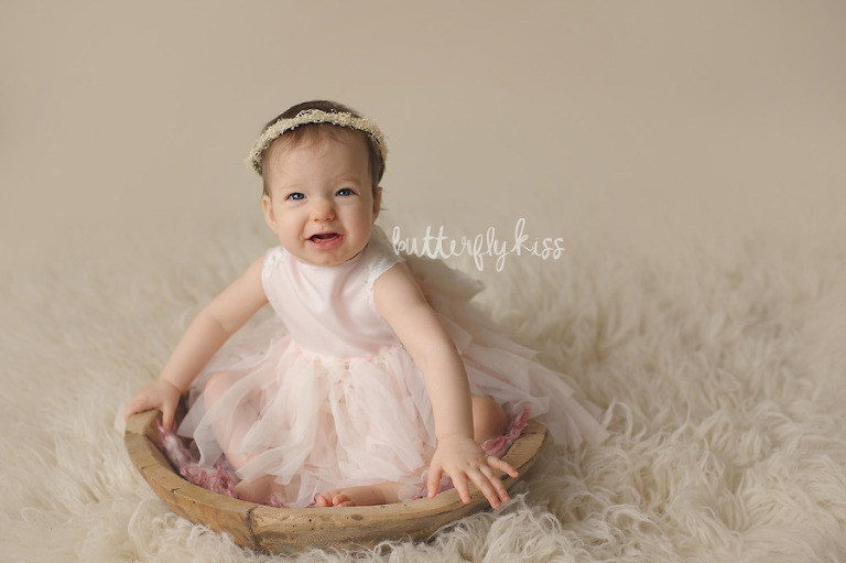 Bonney Lake Baby Photographer Charlie organic natural classic