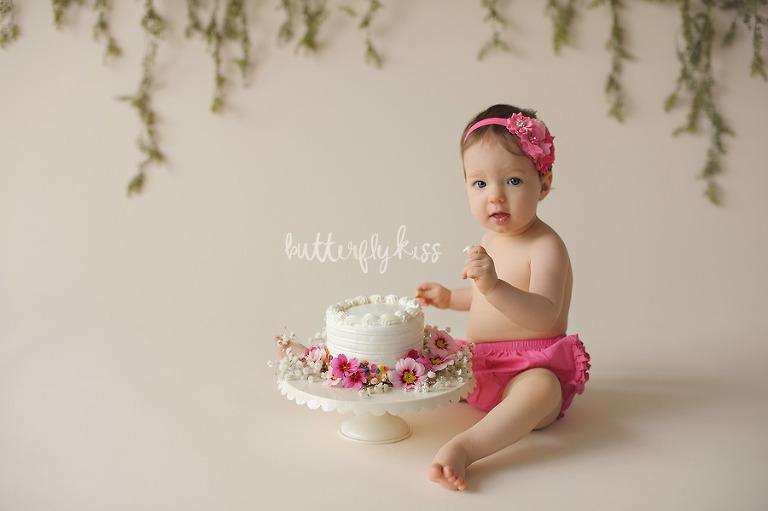Bonney Lake Baby Photographer Charlie Cake Smash
