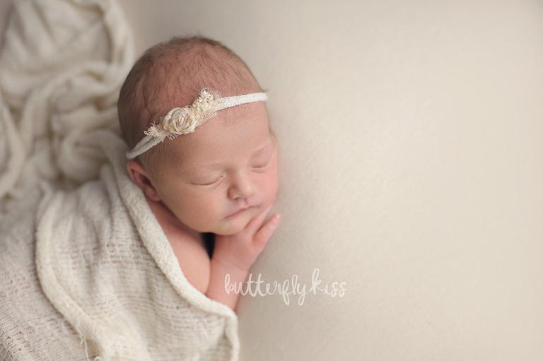 Tacoma newborn Photographer goldie