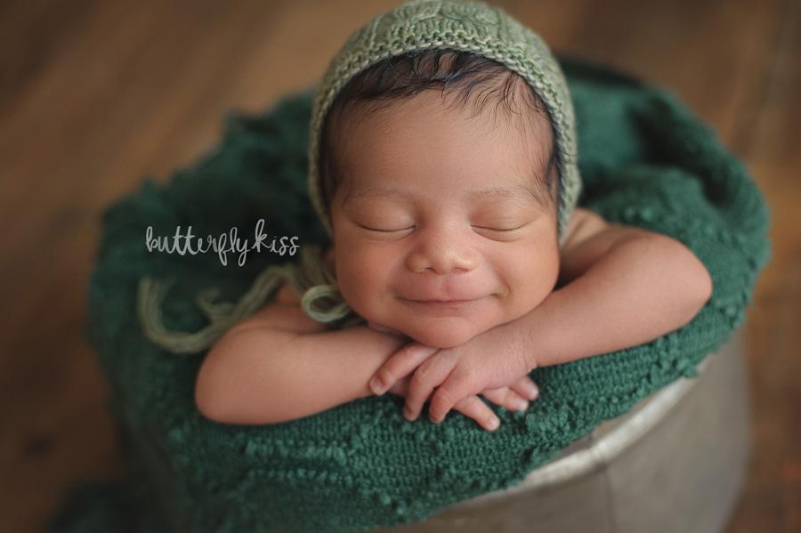 Tacoma newborn photographer JBLM Jonathon