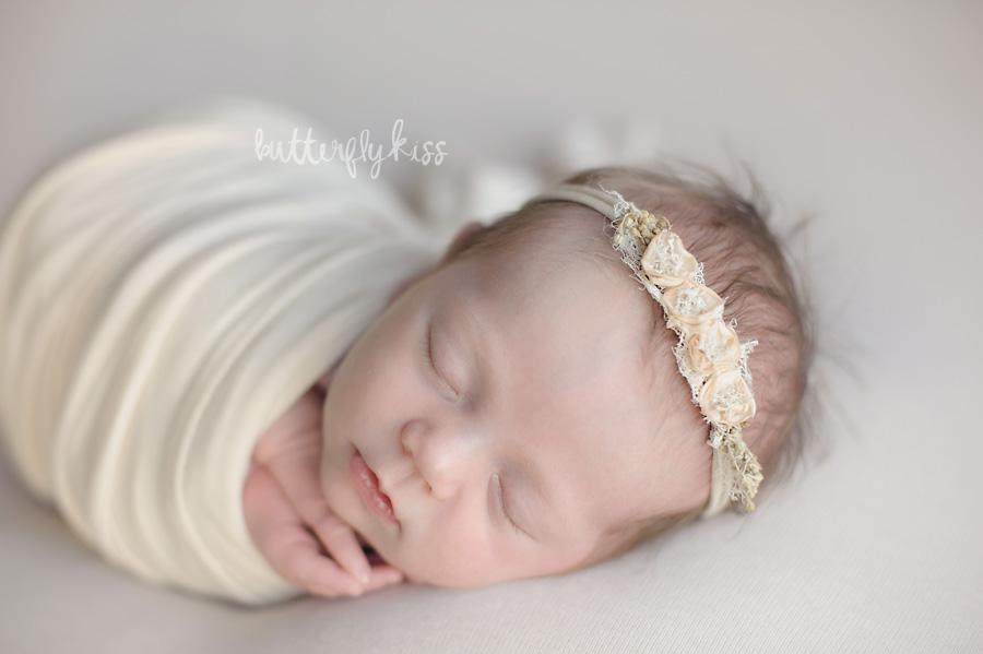 Bellevue newborn photographer Sylvia