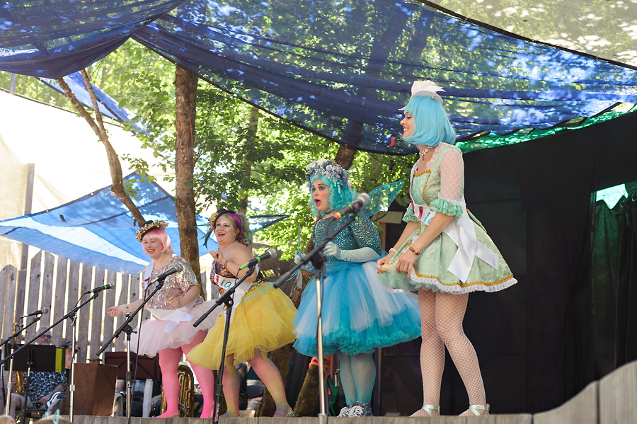 oregon country fair 2017 with kids entertainment costumed play musical