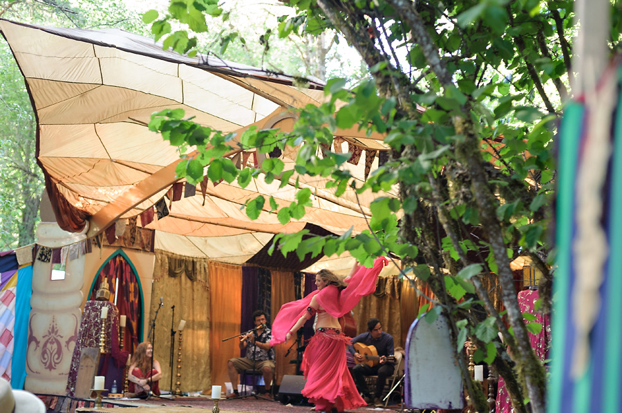 oregon country fair 2017 with kids belly dancing live entertainment