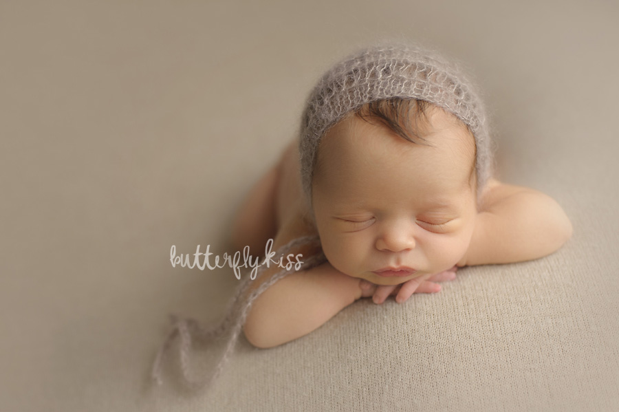 Tacoma newborn photographer classic neutral soft baby photography pictures