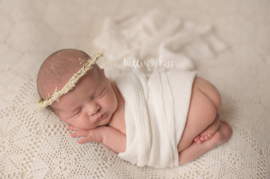 Tacoma newborn photographer Butterfly Kiss Photography baby Gwendolyn tushie up pose vintage lace dried floral halo crown