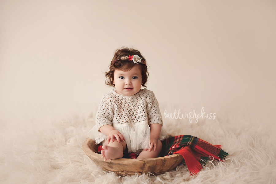 First Christmas baby milestone photo session by Tacoma photographer Butterfly Kiss Photography