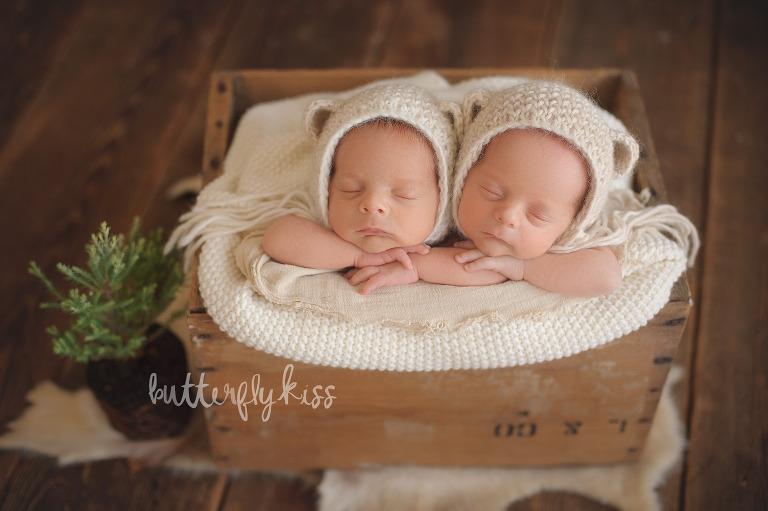 Bonney Lake Newborn Twin Photographer Cashton and Kingston