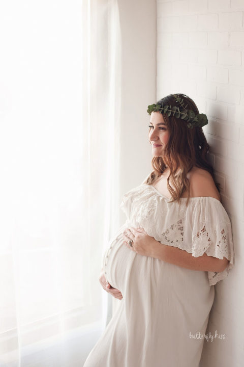 puyallup maternity photographer boho session in studio