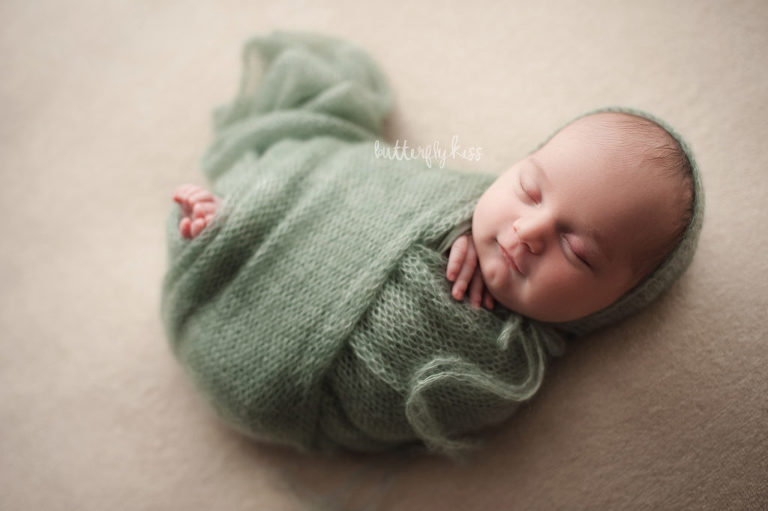 tacoma newborn photographer organic boy