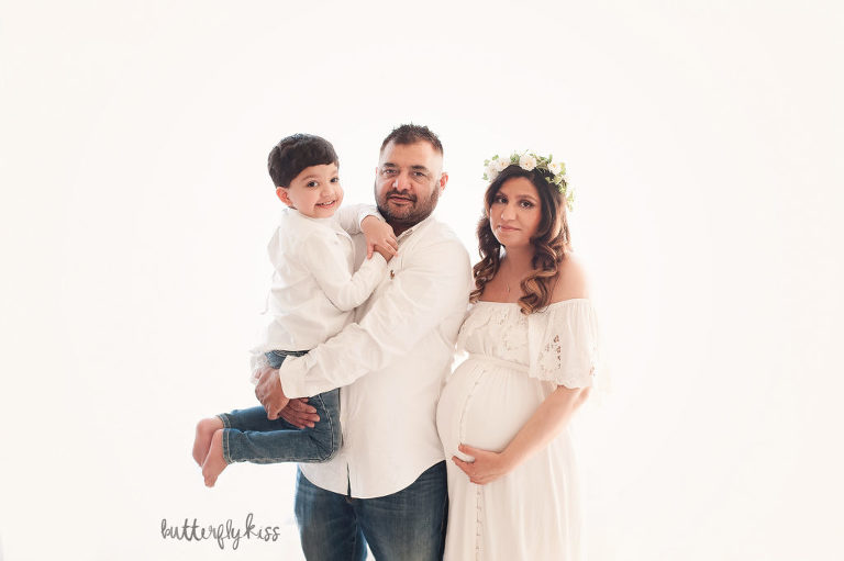 bonney lake maternity session mom family sibling boho simple studio