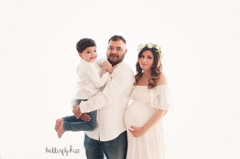bonney lake maternity session mom family sibling boho simple studio